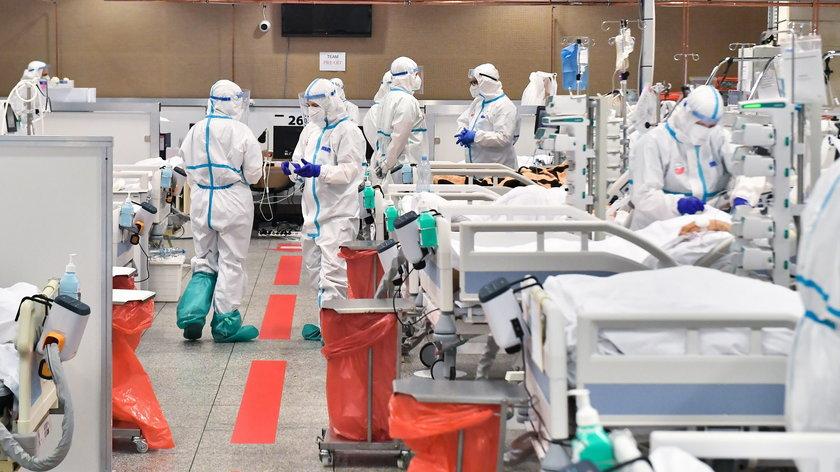 Koronawirus w Polsce. Wysoka liczba zgonów z powodu COVID-19. Najnowsze dane o zakażeniach