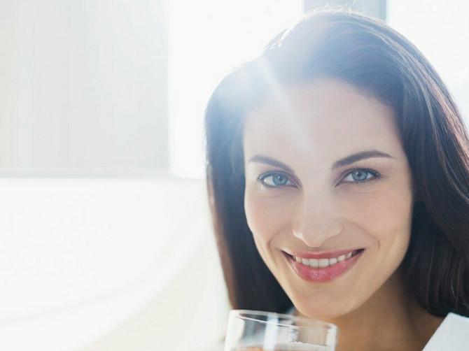 Ova žena isprobala je JEDNOSTAVAN trik sa vodom od nedelju dana. Kaže da joj libido nikada nije bio jači
