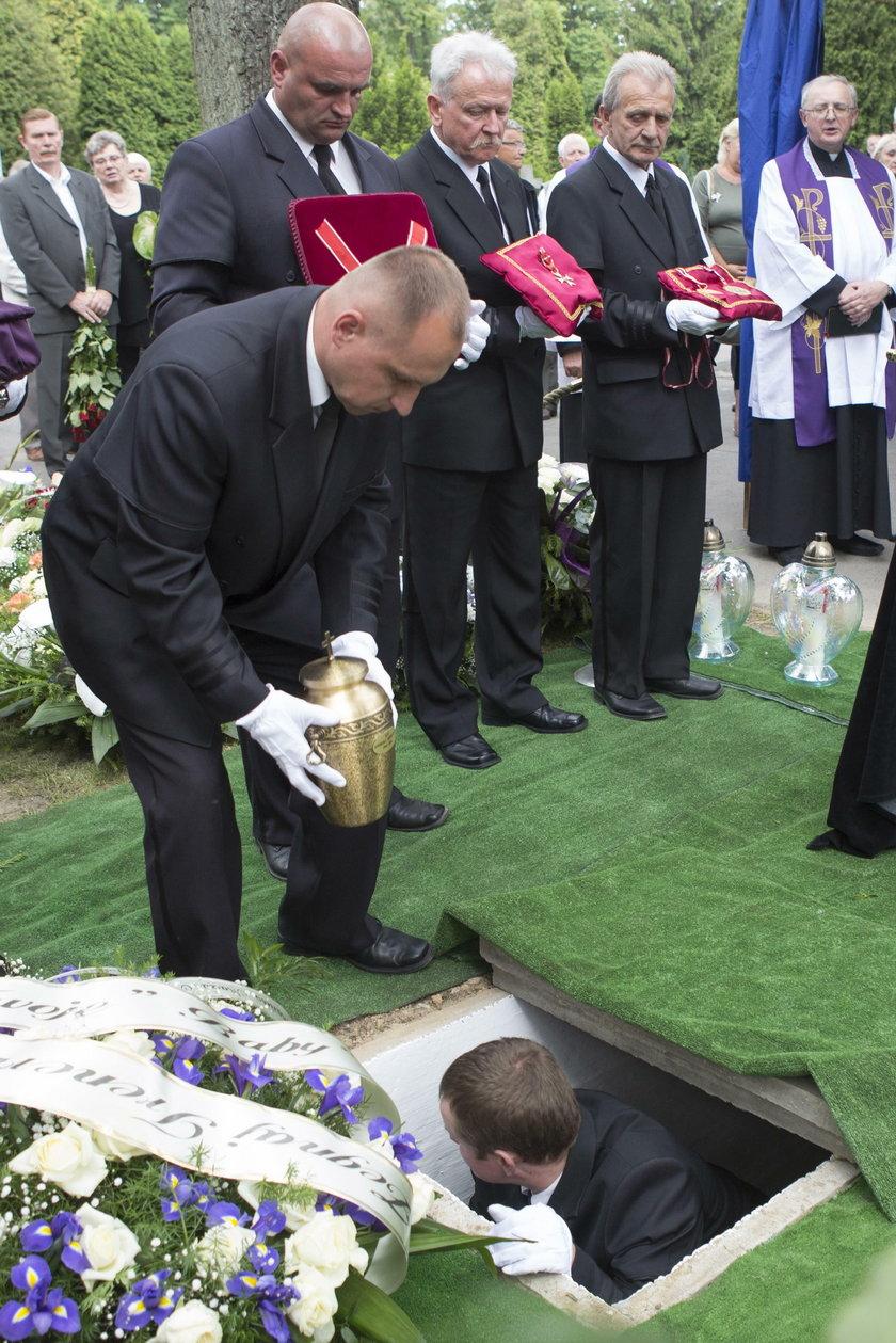 Andrzej Niemczyk – dziewięć miesięcy po śmierci tak wygląda jego grób