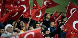 """Tureccy kibice zamiast minuty ciszy skandowali: """"Allah Akbar""""!? WIDEO"""