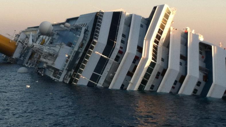 Straż: Costa Concordia przyjmowała pomoc, jakby robiła przysługę