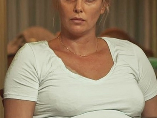 Ni rođena majka je nije prepoznala: Najlepša glumica na svetu prvo je PUSTILA STOMAK, pa smršala i sad se svi pitaju - šta je uradila sa LICEM?