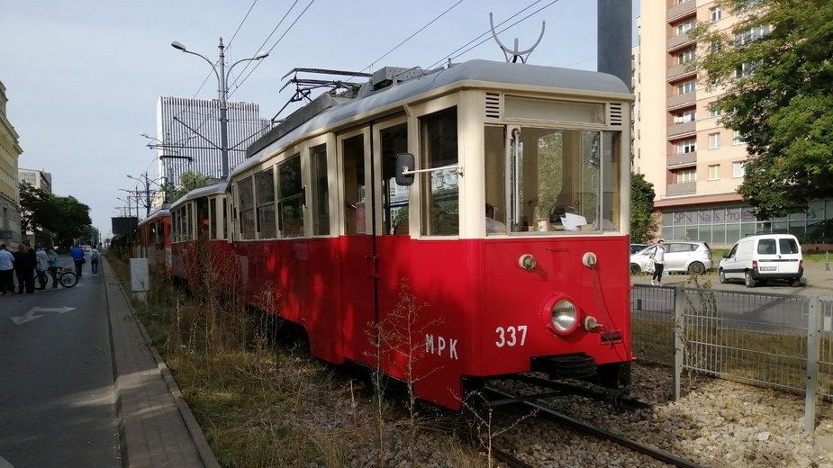 Wystawa łódzkich tramwajów z okazji Europejskiego Tygodnia Zrównoważonego Transportu
