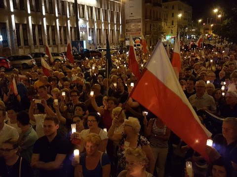 Wracają manifestacje w obronie niezależnych sądów