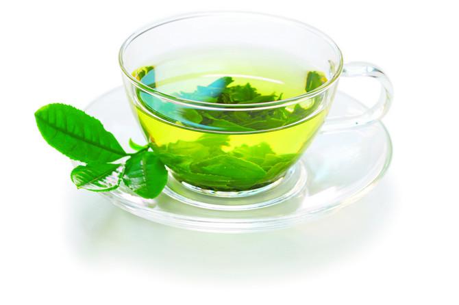 Oko 0,5 l zelenog čaja dnevno opušta zidove arterija i do 40 odsto, a širi krvni sudovi znače bolju prokrvljenost i niži pritisak
