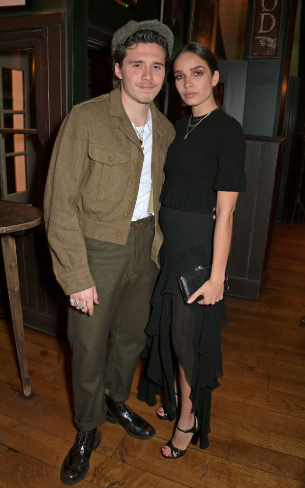 Brooklyn Beckham i Hana Cross