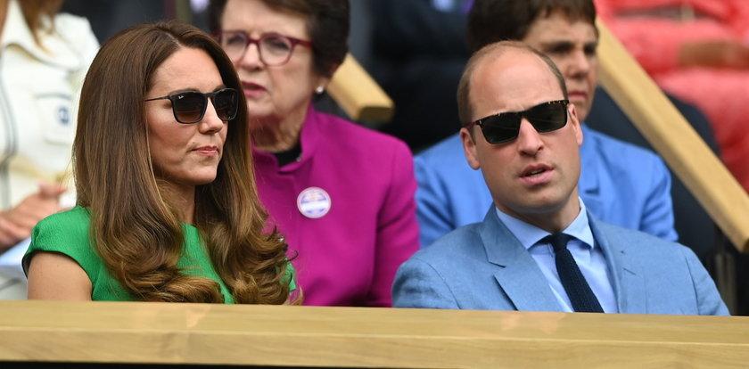 """Ekspertka od mowy ciała o związku Williama i Kate. """"Przesadny"""" gest księżnej dużo mówi o ich miłości"""