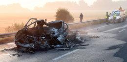Wypadek z udziałem polskiego samochodu we Francji. Kierowca zginął przez uchodźców