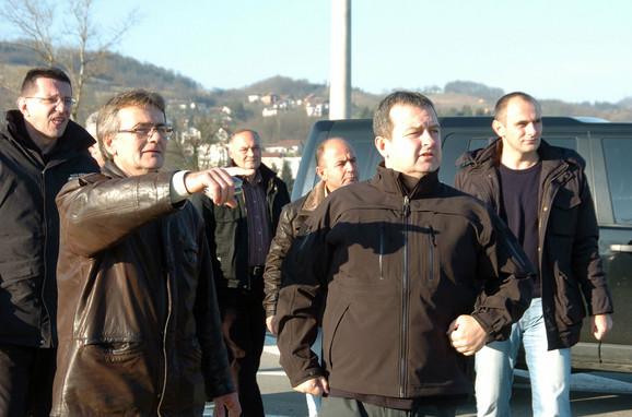Brojni političari su dolazili tokom poplava