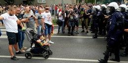 Małym dzieckiem blokował Marsz Równości. Jest finał sprawy
