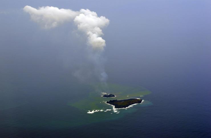 413368_nasa-novo-ostrvo-tihi-okean01afpfoto-japan-coast-guard