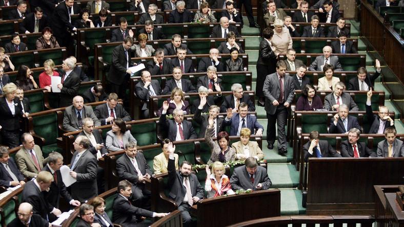 Sejm zbada, czy rząd złamał prawo
