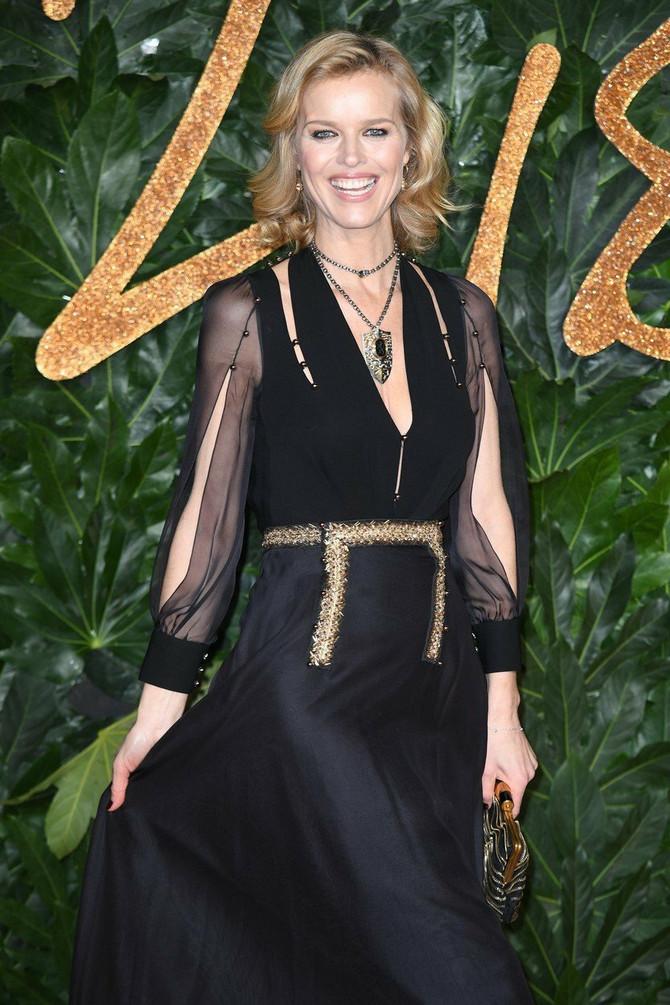Eva Hercigova na dodeli modnih nagrada u Londonu