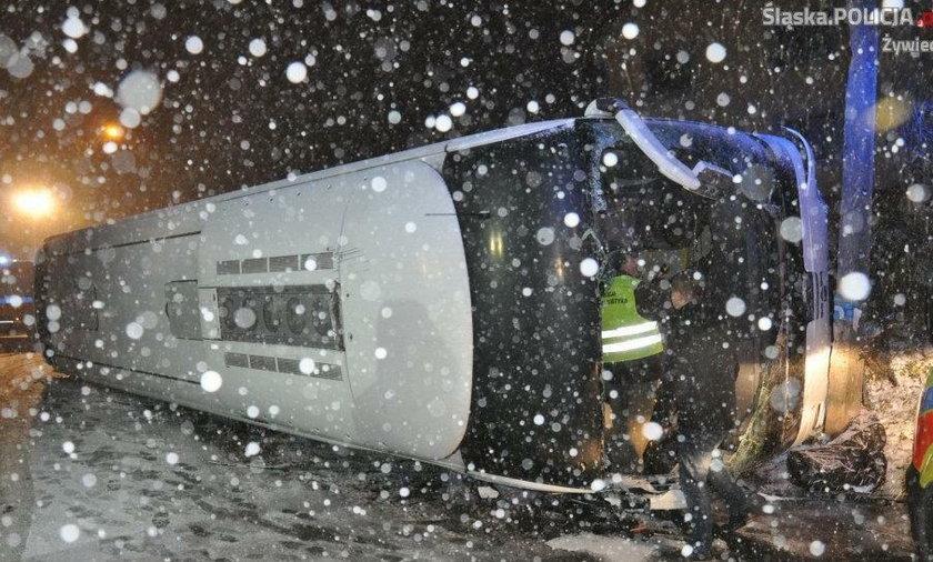 Żywiec. Wypadek autokaru pod Krzyżową