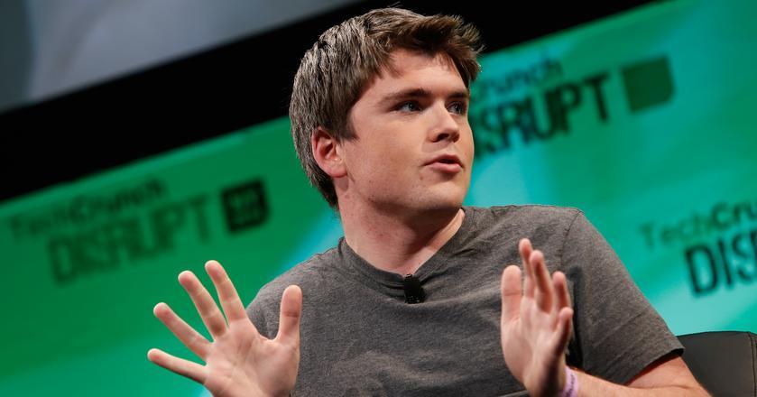 Tak wygląda nie tylko jedna z najnowszych, ale i najmłodsza twarz w świecie technologicznych miliarderów. To 27-letni John Collison