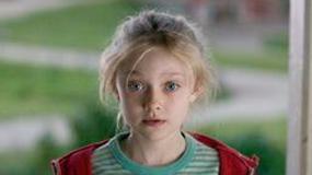 Dakota Fanning poszukiwana przez rząd USA