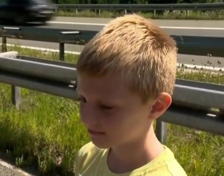 Avion cesna autoput dečak kaka sc ostalo