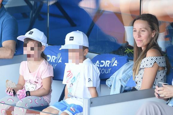 Jelena Đoković sa Tarom i Stefanom