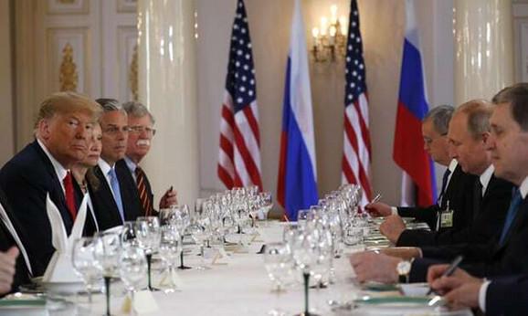 Radni ručak američke i ruske delegacije
