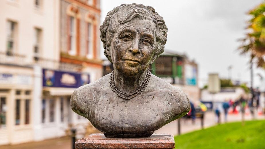Pomnik pisarki w Torquay w Anglii