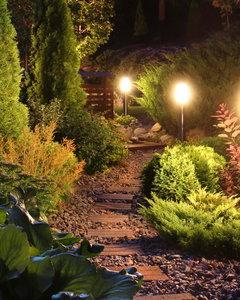Jak za darmo oświetlić ogród?