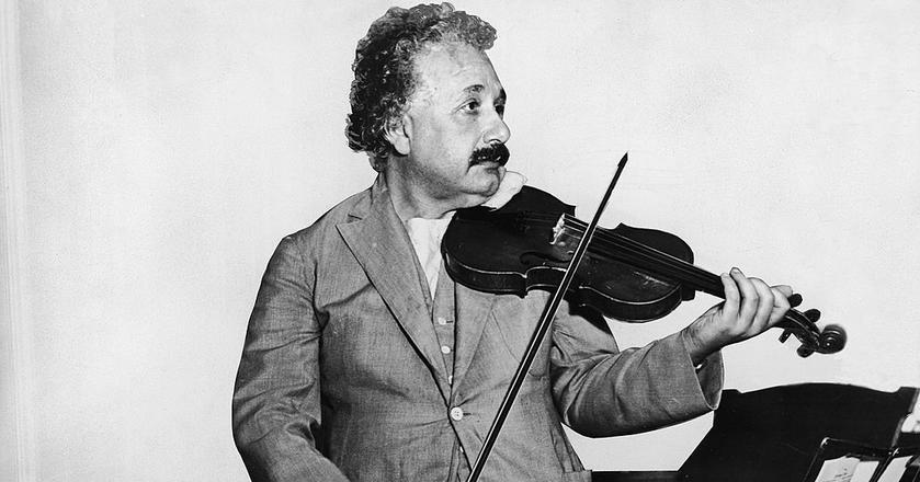 Einstein był nie tylko fizykiem, był także naukowcem-filozofem, który interesował się gatunkiem ludzkim.