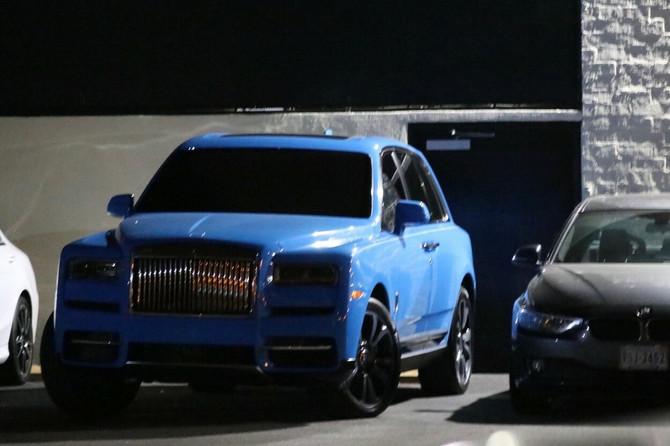 Kajli Džener nakon raskida uslikana kako napušta kuću u Zapadnom Holivudu