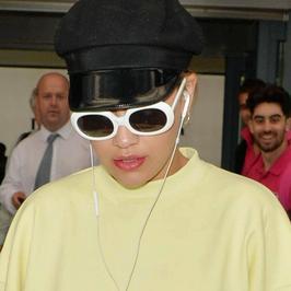 Rita Ora dawno tak źle nie wyglądała. Co ona na siebie założyła?!