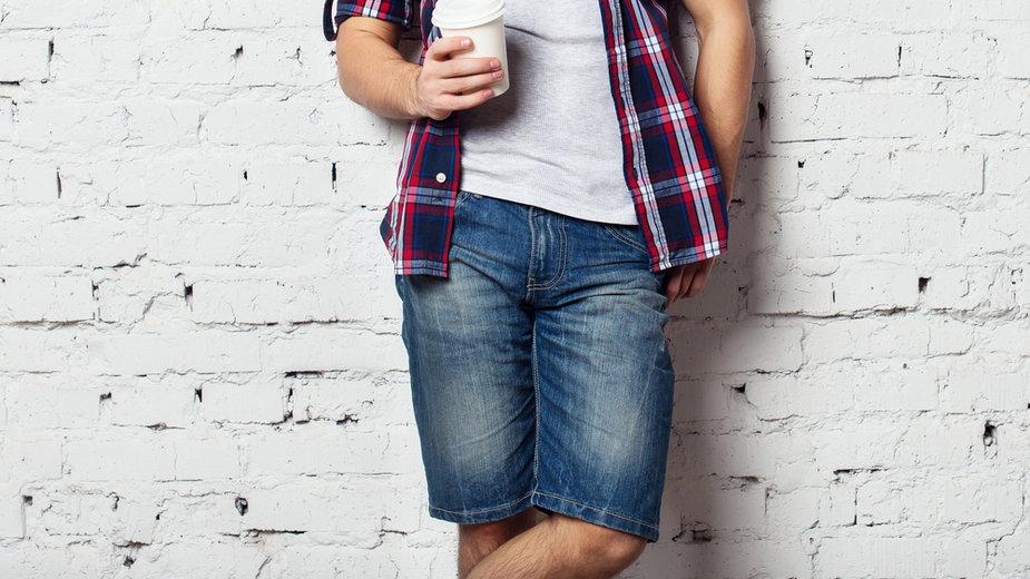 Jak z klasą nosić męskie szorty