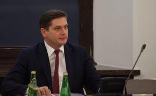 Wiceszef MON Bartosz Kownacki przeprosił za kolizję. 'Sprawę uznajemy za zamkniętą'