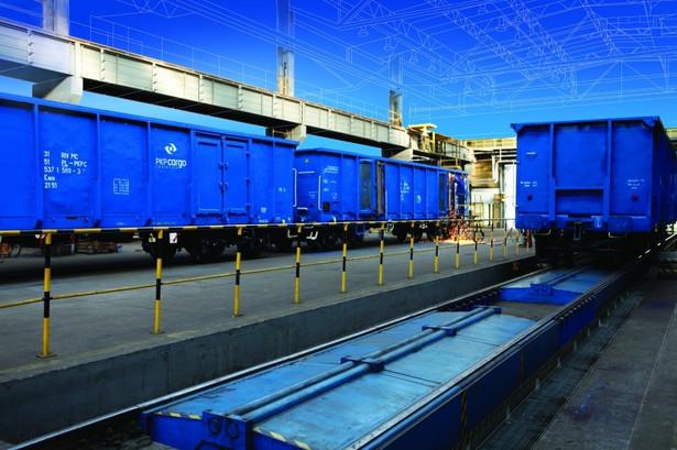 Minister infrastruktury Andrzej Adamczyk powiedział w Sejmie 11 maja, że zakup AWT to problem dla akcjonariuszy PKP Cargo, a tę kwestię sprawdzą zapewne służby