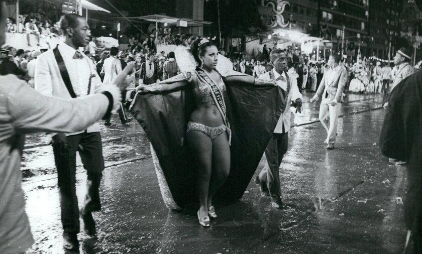 Kiedyś tańczono tam polki i mazurki. Dziś to orgia tańca i seksu