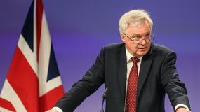 Barnier: fundamentalna rozbieżność w sprawie praw obywateli po Brexicie