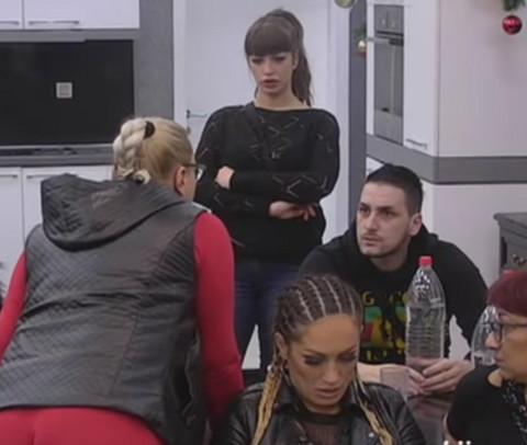 """SKANDAL NA """"PINKU"""": Marija i Miljana se ODREKLE jedna druge u uživo programu! VIDEO"""