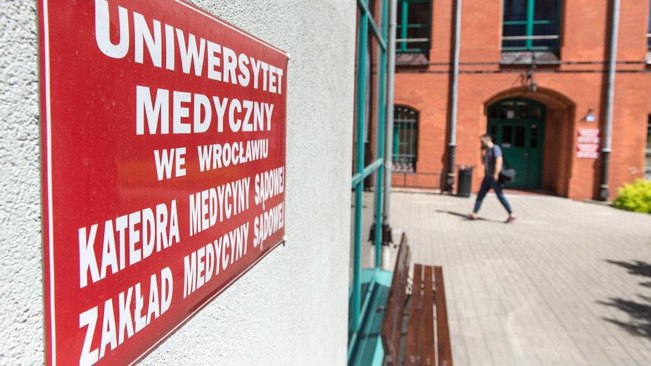 Uniwersytet Medyczny we Wrocławiu, Katedry Medycyny Sądowej