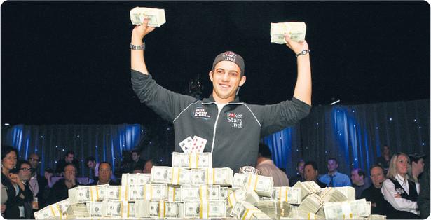 21-letni Joe Cada po raz pierwszy wszedł do kasyna w ubiegłym roku. Od razu wygrał turniej i zgarnął 8,5 mln dol. nagrody. Przez lata zdobywał doświadczenie, grając w pokera w internecie Fot. Reuters/Forum