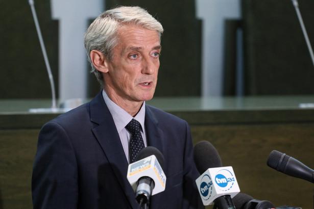 Jak mówił podczas briefingu prasowego Laskowski, do momentu rozpoczęcia się spotkania z dziennikarzami, do SN zgłosiło się 3 z 10 sędziów.