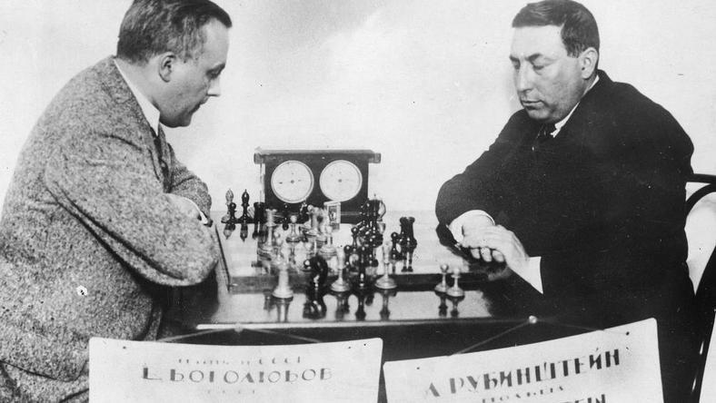 Akiba Rubinstein (z prawej)