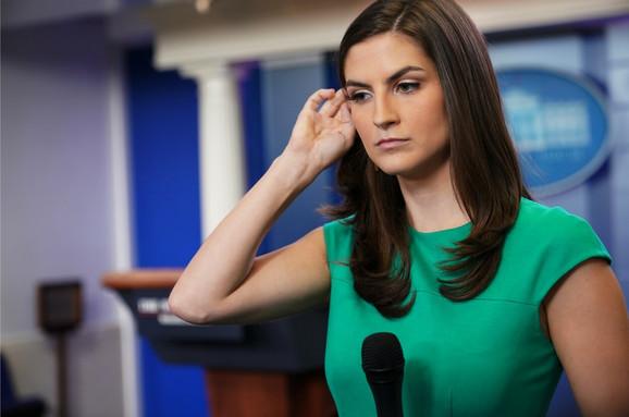 U četvrtak ju je Tramp ućutkao a u petak ju je osoblje Bele kuće zatražilo da sedne u zadnji red - Kejtlan Kolins