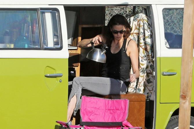 Teri Hačer živi u kombiju? Ma kakvi!