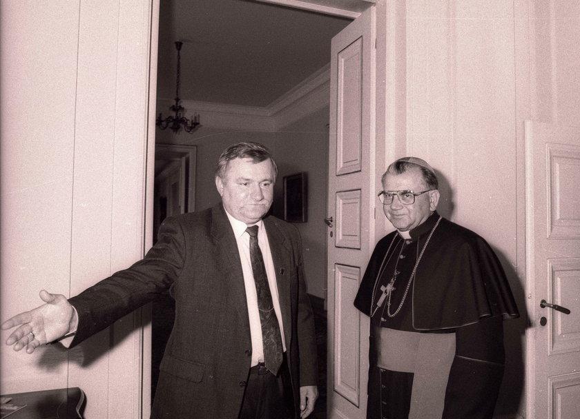 Macierewicz z biskupem tworzył własne SB?!