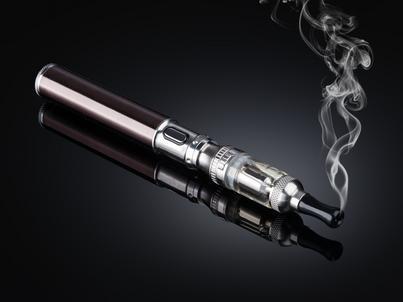 E-papierowy, według rządu, mają być traktowane tak samo, jak tradycyjne wyroby tytoniowe