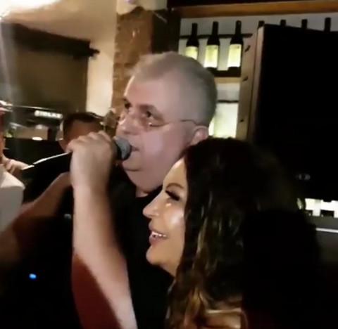 Nenad Čanak se dohvatio mikrofona i napravio HAOS na rođendanu Stoje! VIDEO