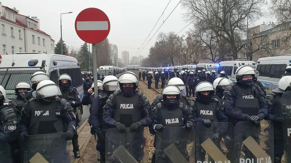 Policyjna blokada na Żoliborzu
