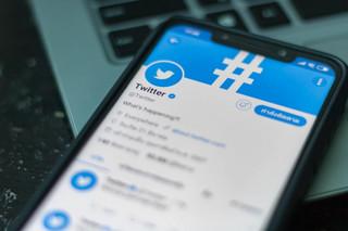 'Economist': Firmy technologiczne nie powinny mieć kontroli nad wolnością słowa