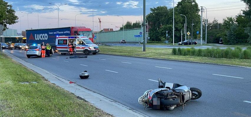 Tragiczny wypadek w Warszawie. Kierowca skutera nie miał szans