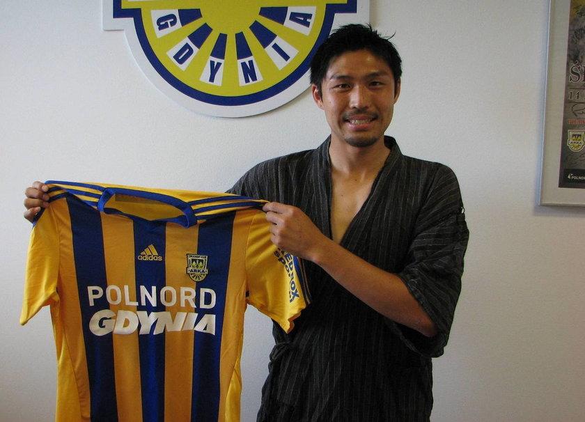 Podpisał kontrakt w kimono