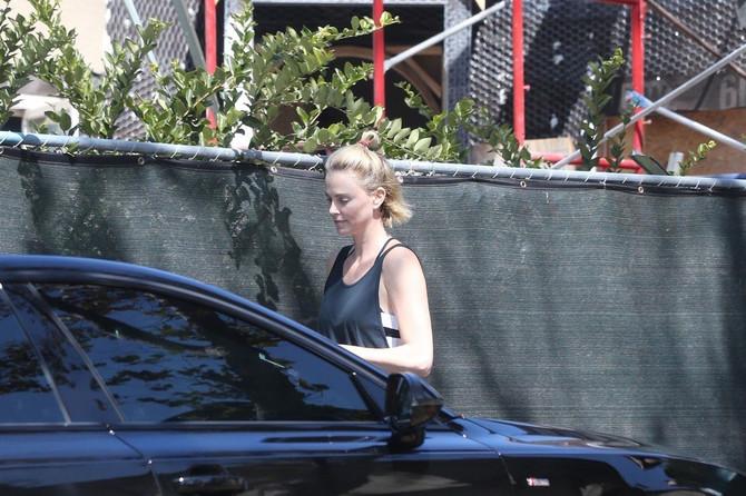 Glumica je proverila kako napreduju radovi u njenoj kući u Los Anđelesu