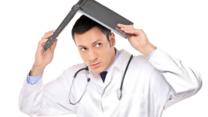 Co nas drażni u lekarza? Brak intymności i lekceważenie