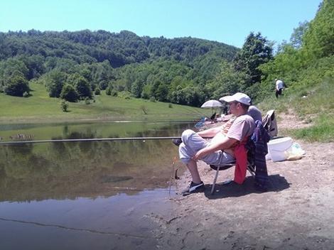 Na jezeru Vrutci zabranjeno korišćenje aromatizovane prihrane